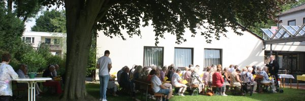 Gottesdienst im Garten