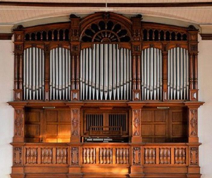 Eine Orgel findet zurück ins Leben