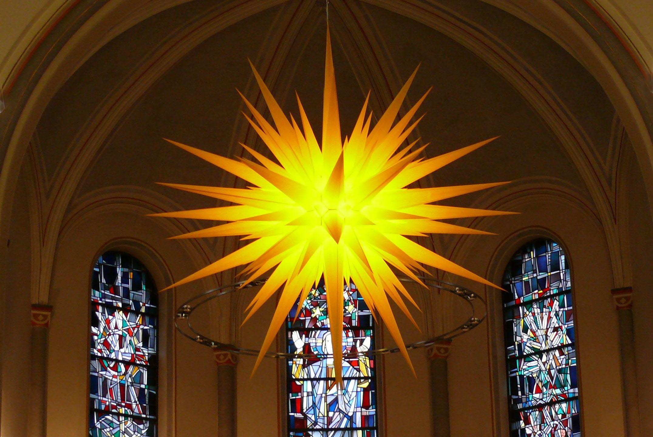 """Viele sagen: """"Wer wird uns Gutes sehen lassen?"""" HERR, lass leuchten über uns das Licht deines Antlitzes!  (Psalm 4,7)"""